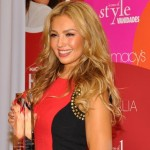 Latin artist Thalía was presented Macy's and Vanidades 2013 Icon of Style Award. Photo: QPHOTONYC