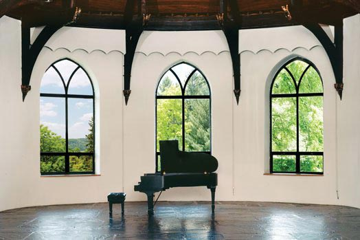 Daniel Kelly's informal concert will take place in Wave Hill's Wave Hill House.