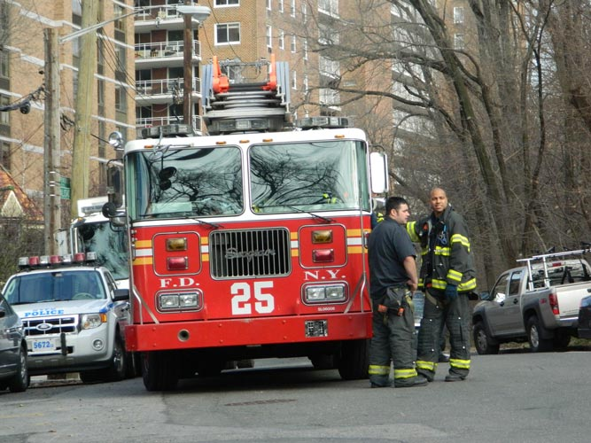 Emergency personnel lined Palisade Avenue.  <i>Photo: D. Santos</i>