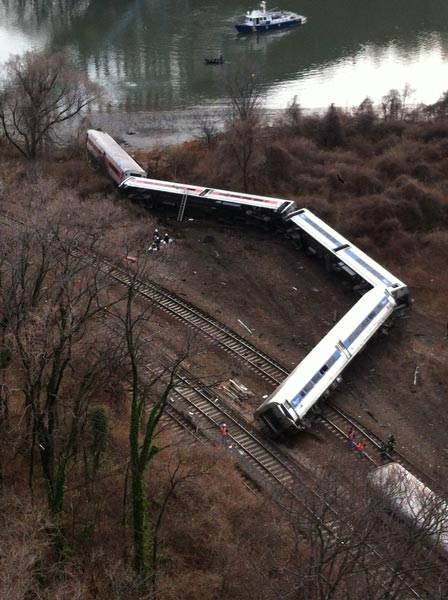 A Metro-North train derailment in the Bronx killed four people and injured over seventy.  <i>Photo: A. Cano</i>