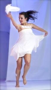 Cynthia bailando 1(web)