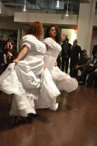 Los invitados disfrutaron de las presentaciones en vivo. Foto: QPHOTONYC