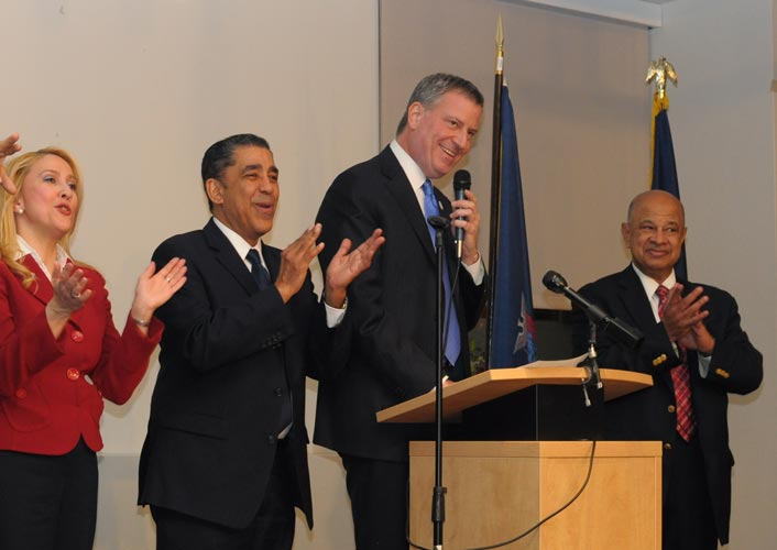 Mayor Bill de Blasio (center) joined in the Dominican Independence Heritage celebration at Alianza Dominicana.  Photo: QPHOTONYC