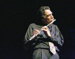 A benefit concert for the Grammy Award-winning flutist Dave Valentínwill take place at Hostos.