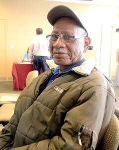 """""""Recomiendo a las personas mayores a que vengan"""", dijo el diácono Freddie Alford."""