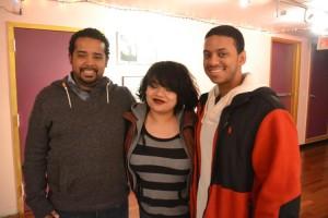 Los estudiantes de cinematografía (de izquierda a derecha) Napoleón Felipe, Tiffany Marrero y Jonathan Olivo.