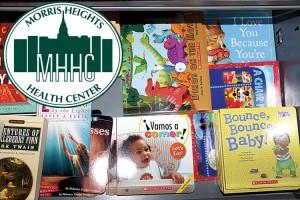 Los libros son otorgados cada vez que visitan al pediatra.