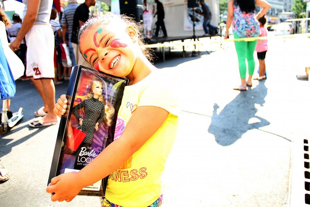 Maylany D., ganadora de la competencia de baile, es toda sonrisas.