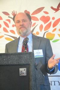 Robert Riggs es el director regional de la Corporación de Preservación Comunitaria, la cual proporcionó $3.4 millones de dólares en financiamiento permanente.