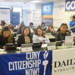 On the line <br>Citizenship Now! alberga centro anual de llamadas