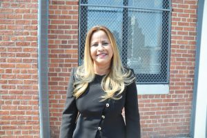 """Me llena de mucho orgullo"", afirmó Lilliam Rodríguez, la jefa de Correos del Bronx."