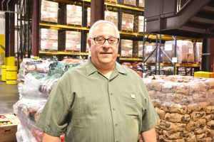 """Todos nuestros productos son de la misma calidad que usted encontraria en un supermercado,"""" dijo el vicepresidente Dan Cinquemani."""