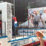 """Daisy Auger-Domínguez, directora global de Diversidad de Personal en Google, fue """"la madrina""""."""