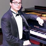 Pianist Josué Kennedy Núñez (with glasses) performed.