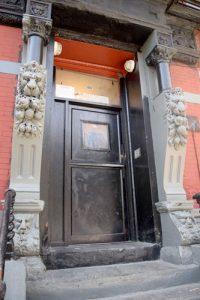 The front vestibule.