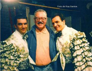 Santos, with actors Armand Assante and Antonio Banderas. Photo: Ray Santos