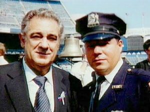 Rodríguez with Placido Domínguez on September, 23 2001.
