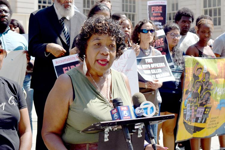 """Mayor de Blasio, shame on you,"" saidGwen Carr."