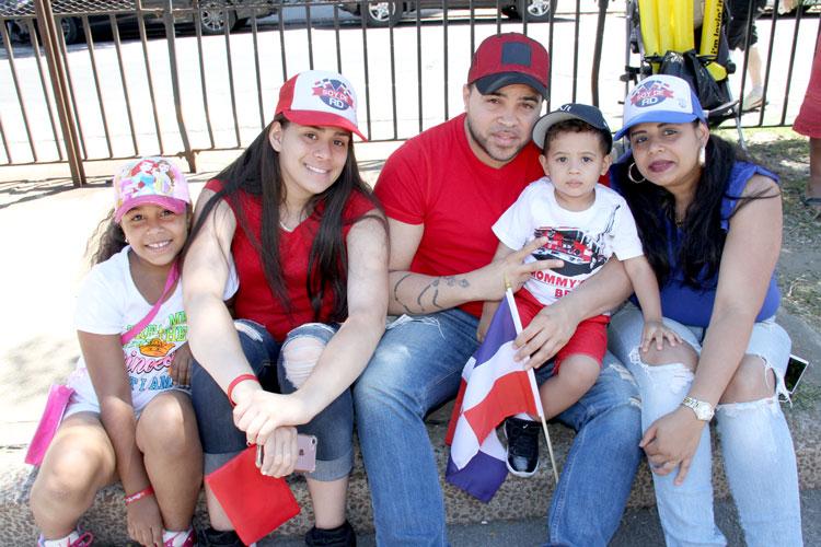 Los Guillen en grande (from left: Marlene, James, Denisha, and Esmerlin).