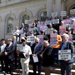 Los trabajadores se manifestaron en el Ayuntamiento.