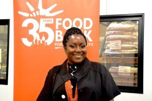 """""""Este es mi día favorito"""" , dijo la CEO de Food Bank, Margarette Purvis."""