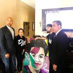 El congresista Adriano Espaillat y el presidente del condado, Rubén Díaz Jr., visitaron a la familia.