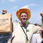 """""""Han estado a la vanguardia del apoyo a las comunidades"""", dijo Stephen Ritz."""