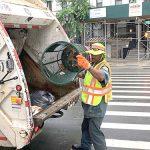 El contenedor debe funcionar para los trabajadores de limpieza y recolección de basura.