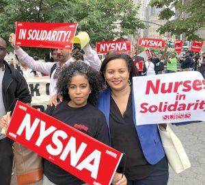 La enfermera Karines Reyes y la senadora estatal Marisol Alcántara expresaron su apoyo.