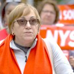 """""""Es un reconocimiento de la injusticia cometida contra nuestras hermanas y hermanos enfermeros"""", dijo la demandante Anne Bové."""