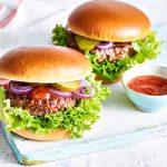 Las hamburguesas son un alimento básico del verano.
