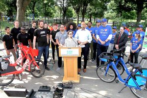 DOT Commissioner Polly Trottenberg joins Borough President Rubén Díaz, Jr.; JUMP Bike's Ryan Rzepecki; and Citi Bike's Jay Walder to announce the program at Tremont Park.