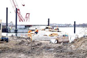 El muelle en construcción la primavera pasada.