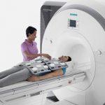 La nueva máquina tiene un espacio para pacientes más grande.