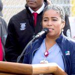 La senadora electa estatal (y enfermera), Karines Reyes, habló.